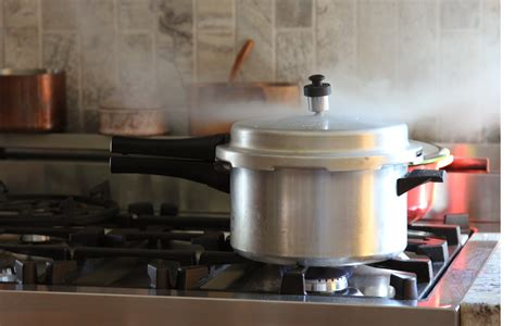 pressure cooker safely cooking cookers using guide features safety loaded recommended instructions food never follow should today