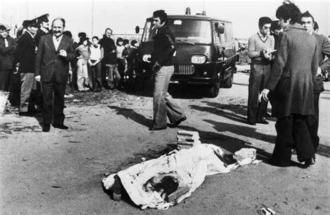 Pier Paolo Pasolini Death by Il Cadavere Di Pier Paolo Pasolini Sulla Spiaggia Di Ostia