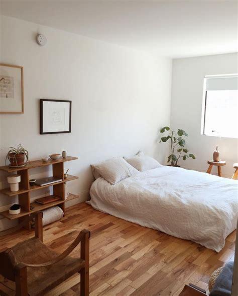 The Bedroom Decor by Best 25 Minimalist Room Ideas On Decor Room