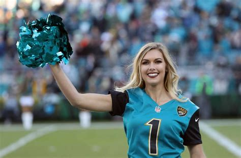 The following 9 files are in this category, out of 9 total. NFL cheerleaders from Week 14