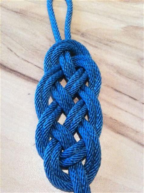r 233 aliser un bracelet avec un motif tr 232 s sympa nico matelotage
