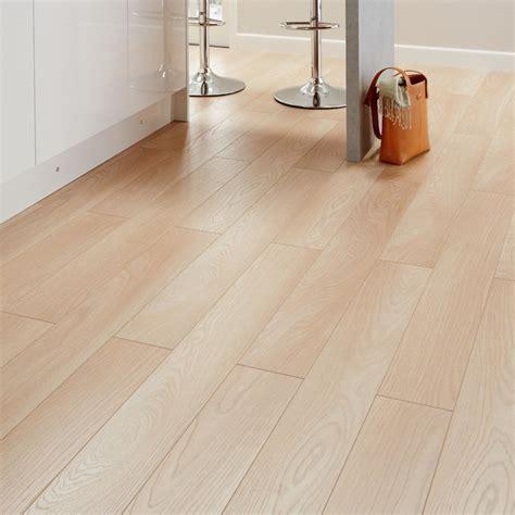 Colours Toccata Cardiff Oak Effect Laminate Flooring 165