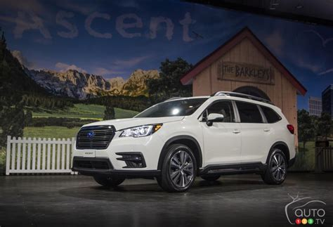 subaru ascent posts attractive base price  canada
