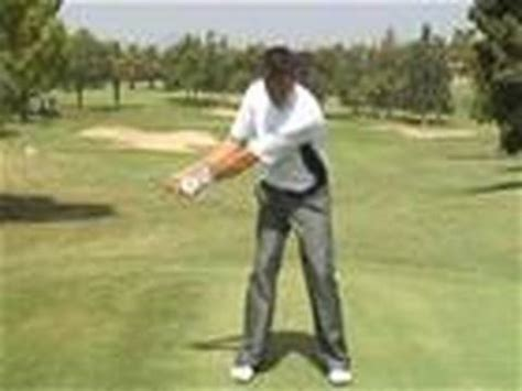 how to swing a golf club how to swing a golf club like tiger woods