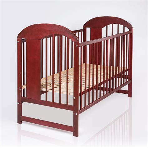 Baby Und Kinderbett by Baby Und Kinderbett Massivholz In Der Nuss Farbe