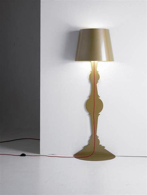 floor lamp  wraps   corner captivatist
