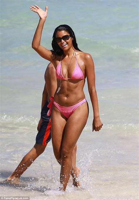 claudia cardinale bikini real housewife claudia jordan wears tiny string bikini