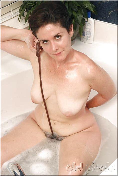Mature Hairy Leslie 118 Pics