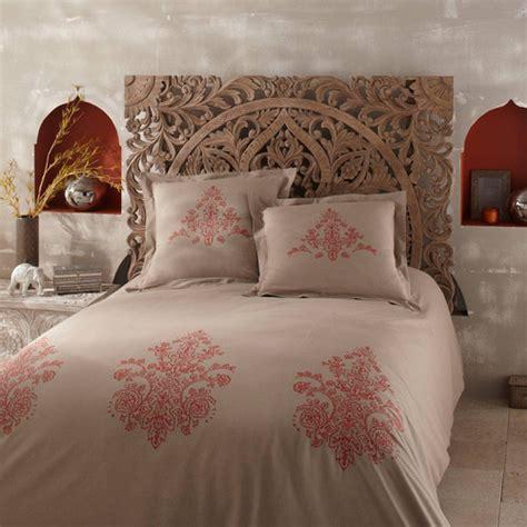 parure de lit 240 x 260 cm en coton beige et orange saraya maisons du monde