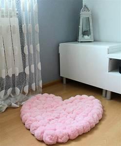 comment faire un pompon guide et applications With tapis chambre bébé avec bouquet de fleur rose en coeur