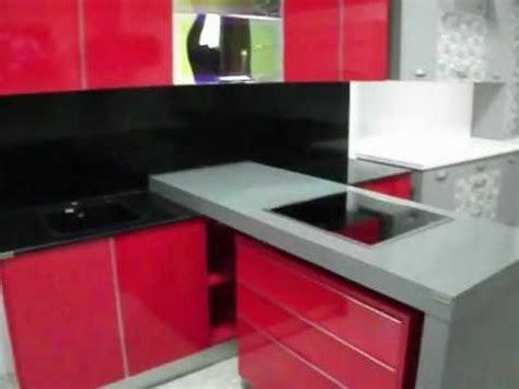 cocinas en murcia cocina rojo brillo  encimera gris
