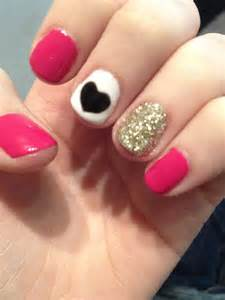 Super easy nail art for short nails so cute