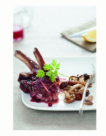 cuisiner les airelles côtelettes de chevreuil aux airelles cuisiner le gibier