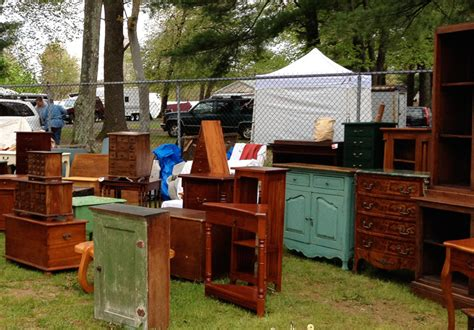 Tips On How To Buy And Sell Antique And Vintage Furniture