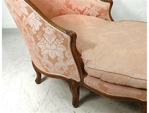 chaise noyer chaise longue louis xv duchesse en bateau noyer sculpté