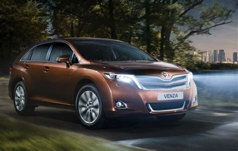 toyota venza reviiew specs redesign release date