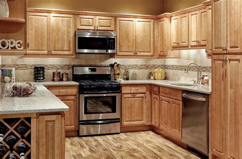 Pictures Of Wood Kitchen Cabinets by Park Avenue Raised Panel Honey Maple Solid Wood Cabinets