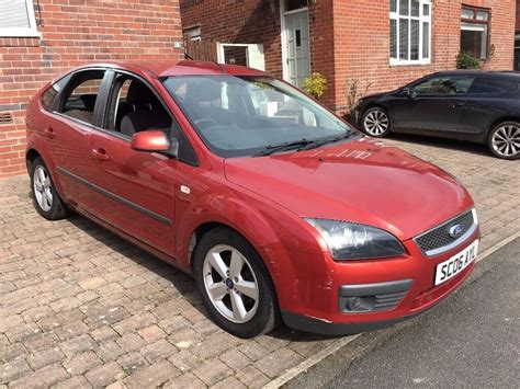 ford focus  zetec  petrol  door red  sheffield