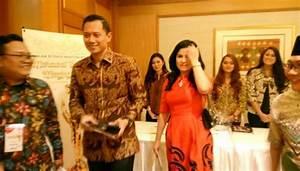 Agus Harimurti Yudhoyono Hadiri Konser Ari Lasso