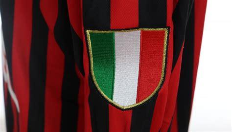 Milan jersey in the san siro museum. Shevchenko's Milan Match Shirt, 1999/00 - CharityStars