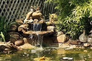 Gartenteich Mit Wasserfall : japanischer gartenteich mit wasserfall und fischen stockfoto bild von unrein sch nheit 49259904 ~ A.2002-acura-tl-radio.info Haus und Dekorationen