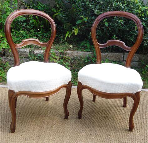 chaises anciennes paire de chaises anciennes en merisier à dossier violonné