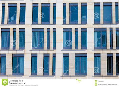Façade Immeuble Moderne by Fa 231 Ade Moderne D Immeuble De Bureaux Photo Stock Image