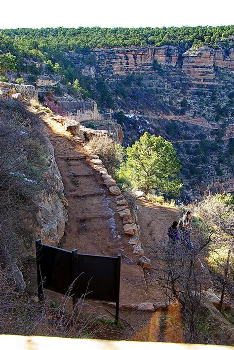 Kolb Studio view of Bright Angel Trail   Grand Canyon   So