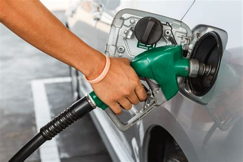 comment prendre de l essence avec une carte bancaire consommation quel carburant pour votre voiture hybride toyota lexus hybrid forum