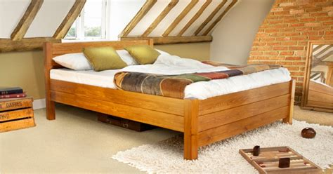 kings bed  laid beds