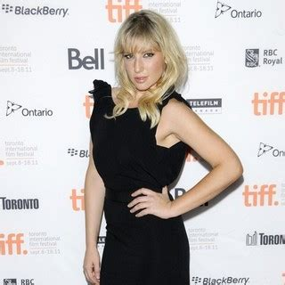 ari graynor pictures  high quality