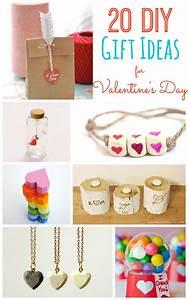 20 DIY Valentine's Day Gift Ideas -- Tatertots and Jello