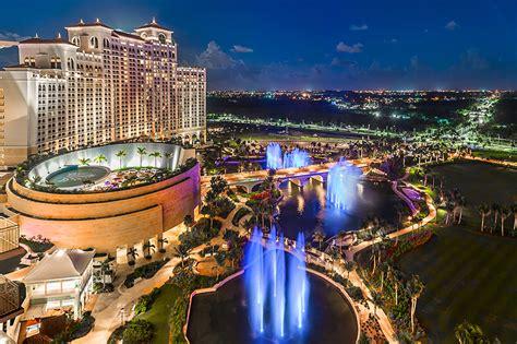 grand hyatt baha mar west tower view show lake fountains