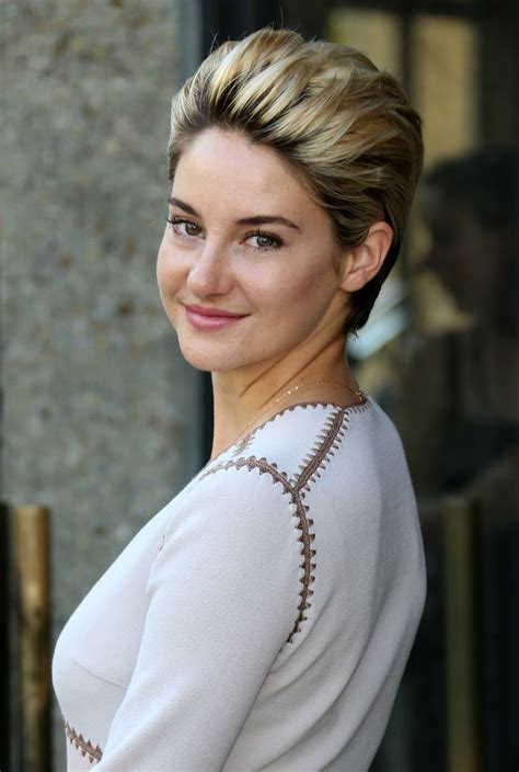 Shailene Woodley | Hairstyles For Windy Days | Celebrity ...