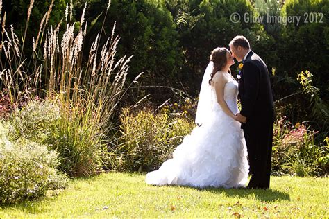 kansas city wedding photographers powell gardens