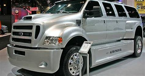 luxury ford trucks extreme big luxury trucks chicago auto show 2008 riding