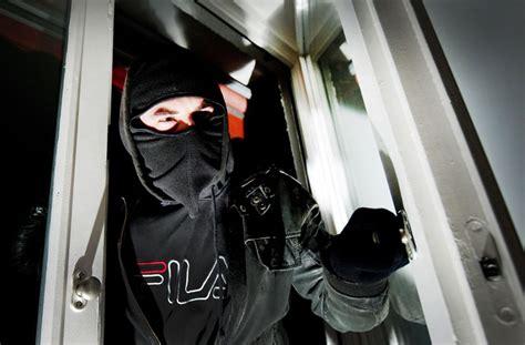 Was Schreckt Einbrecher Ab by Kriminalit 228 T In Stuttgart Licht In Der Wohnung Schreckt