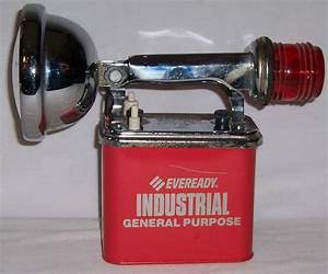 Vintage Eveready Captain Sealed Been Lantern No 9100