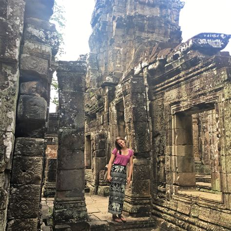 wear  angkor wat  women nounconformist