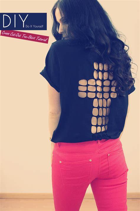 tshirt selber machen diy cross cut out shirt tutorial kleidermaedchen fashion und lifestyle aus