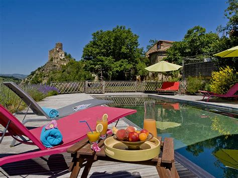 chambres hotes auvergne chambre d 39 hôtes en auvergne location avec piscine et