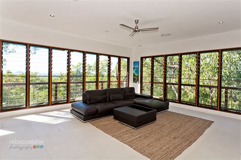 pavilion style luxury pole home  cairns northern beaches