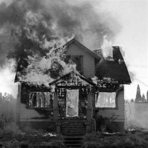 la maison qui saigne welovewords la maison qui br 251 le par murdoc
