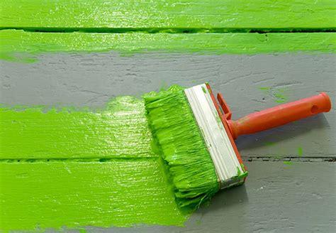 Acryllack Wohnen Sie Bunt by Die Richtige Farbe F 252 R Jeden Untergrund Tipps Obi