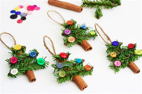 diy ornament place card tree ornaments made with cinnamon sticks pine garland
