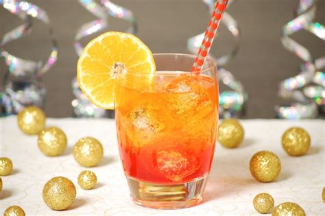 Fun And Fruity New Year's Eve Cocktails