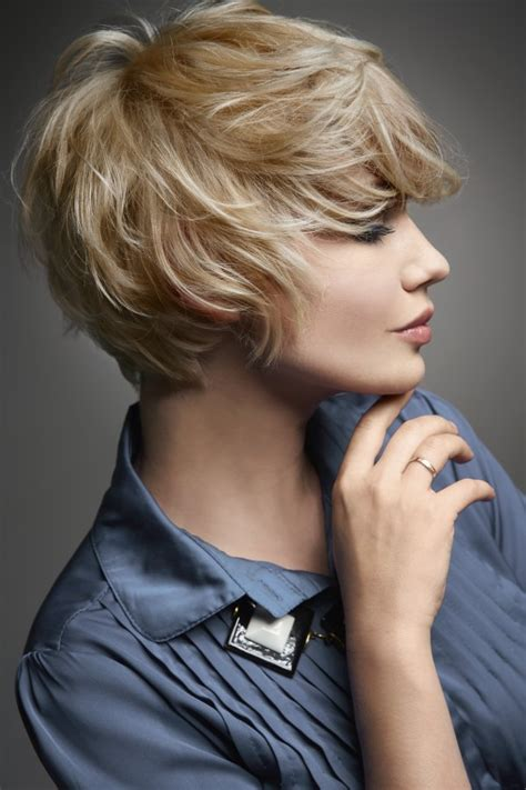 easy   women    cut  hair short
