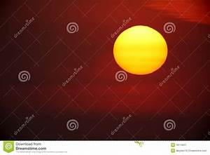 Large Bright Yellow Sun Vector Illustration ...