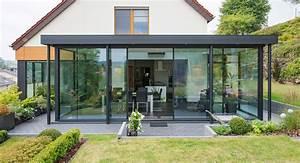 la veranda a toiture plate veranda de france With jardin en pente que faire 15 quel type de maison contemporaine choisir