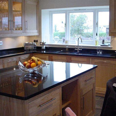 plan de travail de cuisine en granit cuisine plan de travail en lot de cuisine classique
